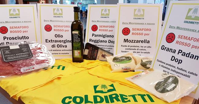 L'etichetta semaforo boccia le eccellenze italiane ma promuove i cibi spazzatura