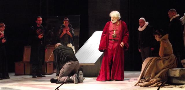 Una scena di Re Lear (foto © Cremaonline.it)