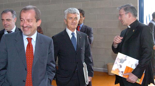 Gibelli, Maroni, Rossoni e don Mauro Inzoli (foto © Angelo Peia)