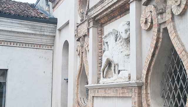 Il Leone di San Marco sul Torrazzo (foto © Cremaonline.it)