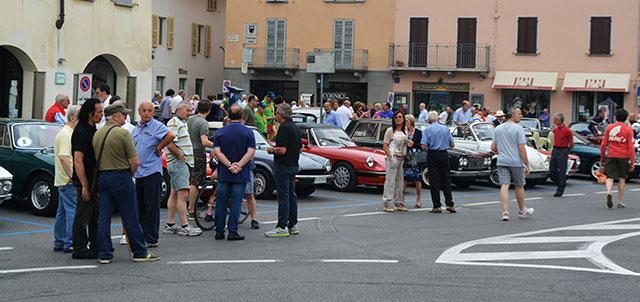Le Ruote classiche tra le mura in piazza Garibaldi (foto © Cremaonline.it)